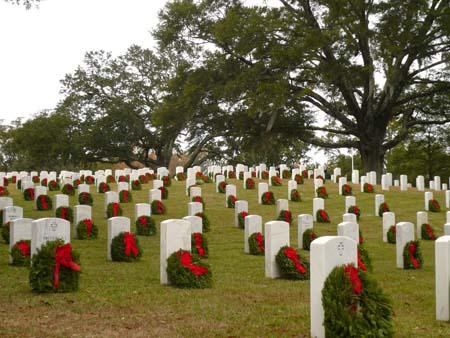 Wreaths Across America 022-121414