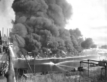 cuyahoga_river_on_fire-031615