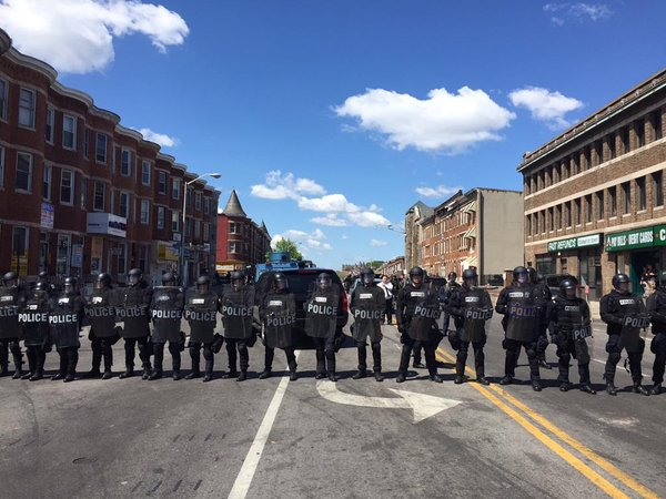 28april2015-baltimore-riots-11-042815